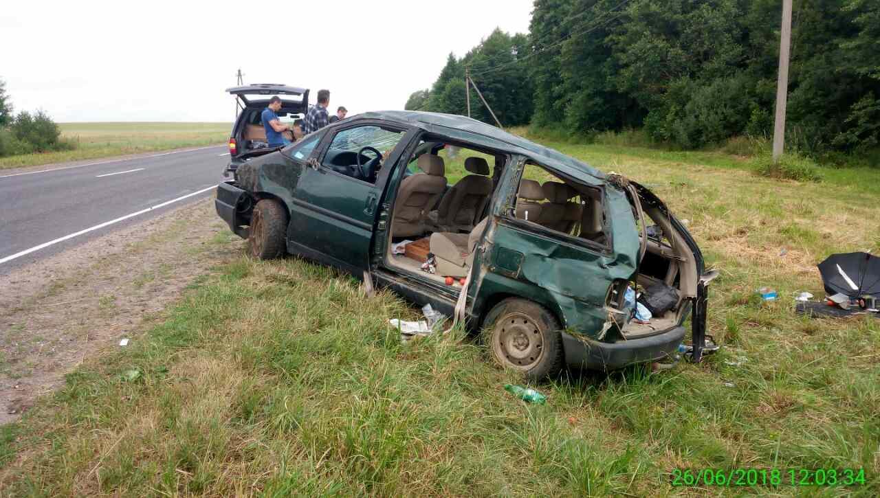 ДТП возле Дятлово: водитель уснула за рулем, перевернулась 5 раз