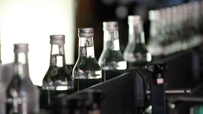 У воспитательницы детсада обнаружили более 100 литров крепкого алкоголя