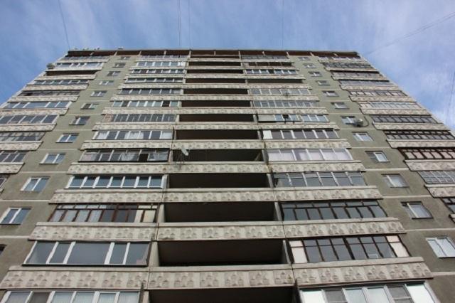 В Гродно с десятого этажа выпала 13-летняя девочка