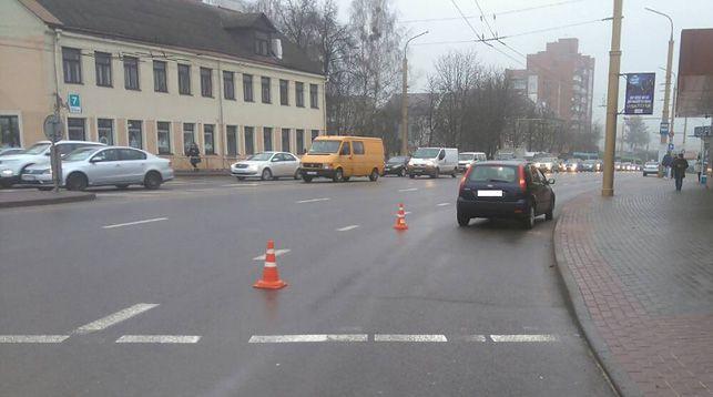 В Гродно автомобиль сбил 17-летнюю девушку