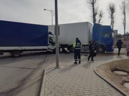 В Лиде столкнулись две грузовые машины