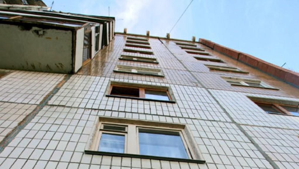 В Гродно женщине показалось, что её 10-летняя дочь выпала из окна