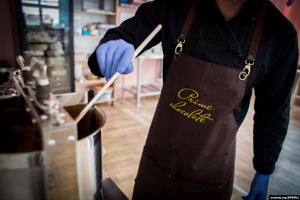 В Лиде производят крафтовый шоколад мирового уровня: репортаж