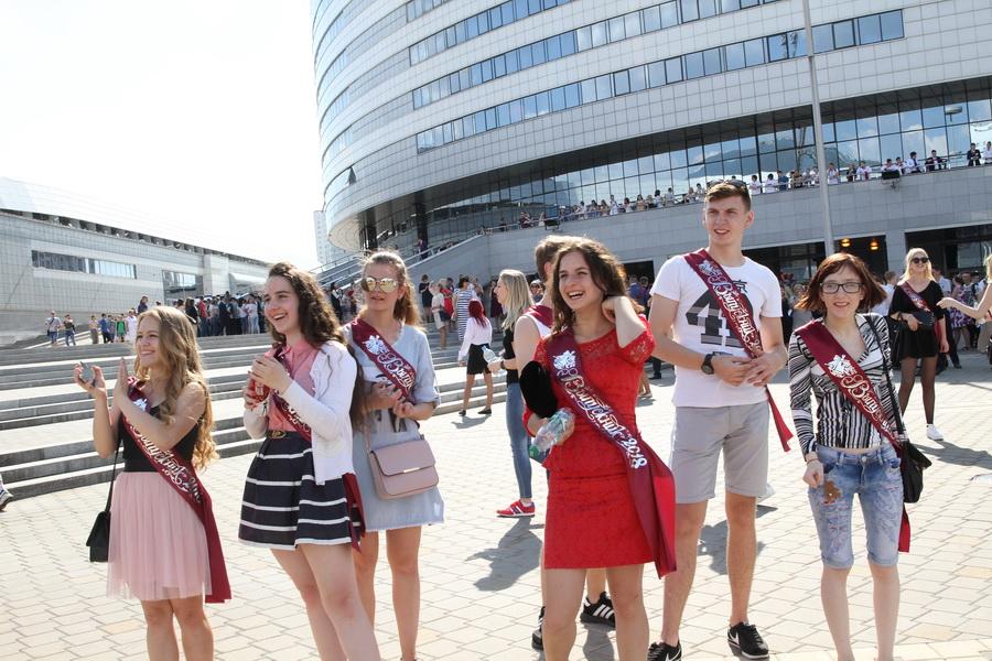 29 мая в школах Беларуси прозвенит последний звонок