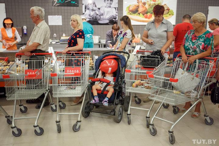 Белорусы увеличили траты в магазинах