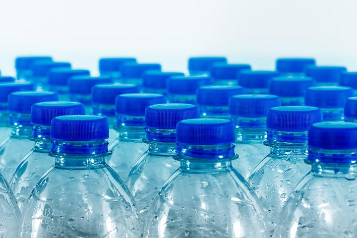 В Беларуси поднимут плату за сбор пластиковой упаковки