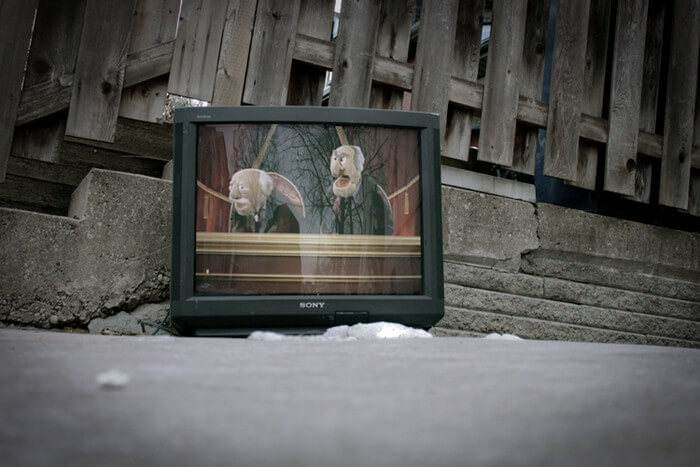 В Лидском районе мужчина выбросил из окна телевизор | credits A. Beker
