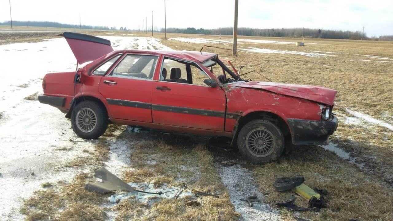 Под Лидой Audi перевернулась после совершения обгона