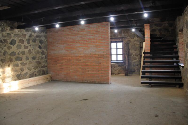 На восстановленной мельнице под Лидой открыли камеру пыток и средневековый квест