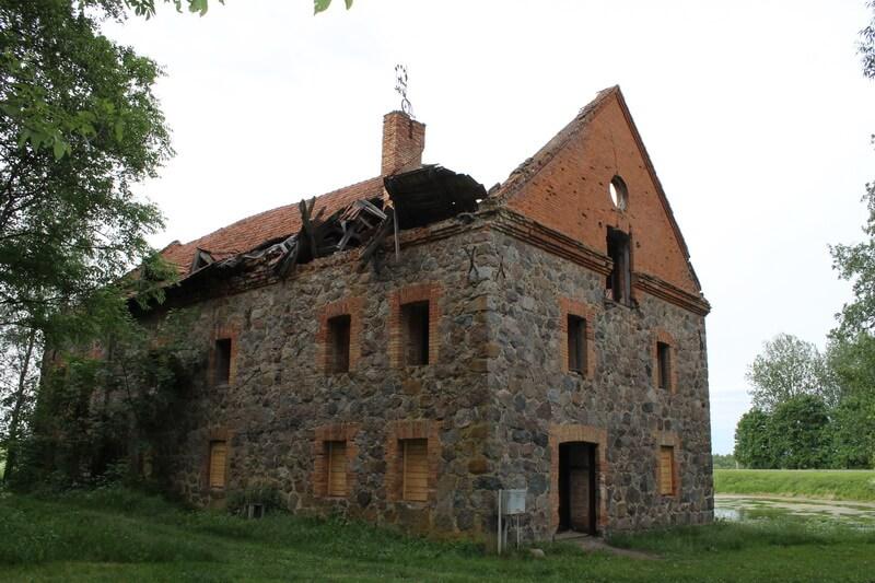 Под Лидой бизнесмен восстанавливает уникальный объект XIX века