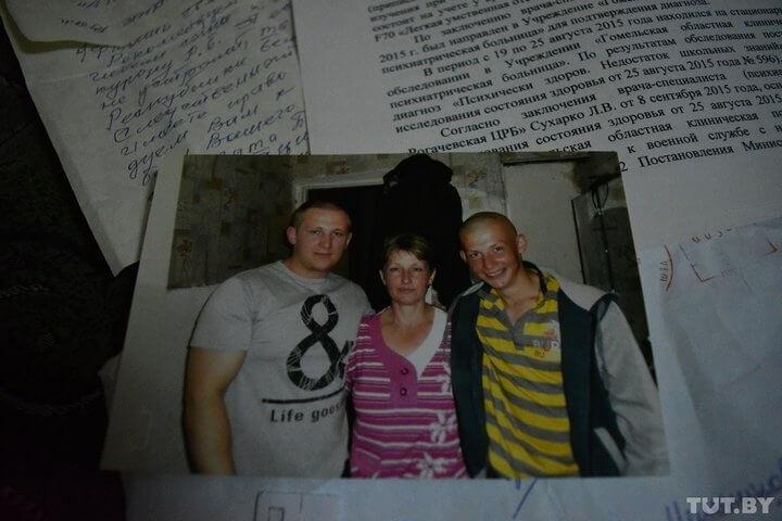 Родственники повешенного солдата в лидской части не верят в суицид