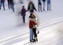 Отметь День влюблённых на... катке!